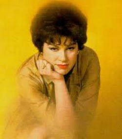 I Fall To Pieces Lyrics - Patsy Cline