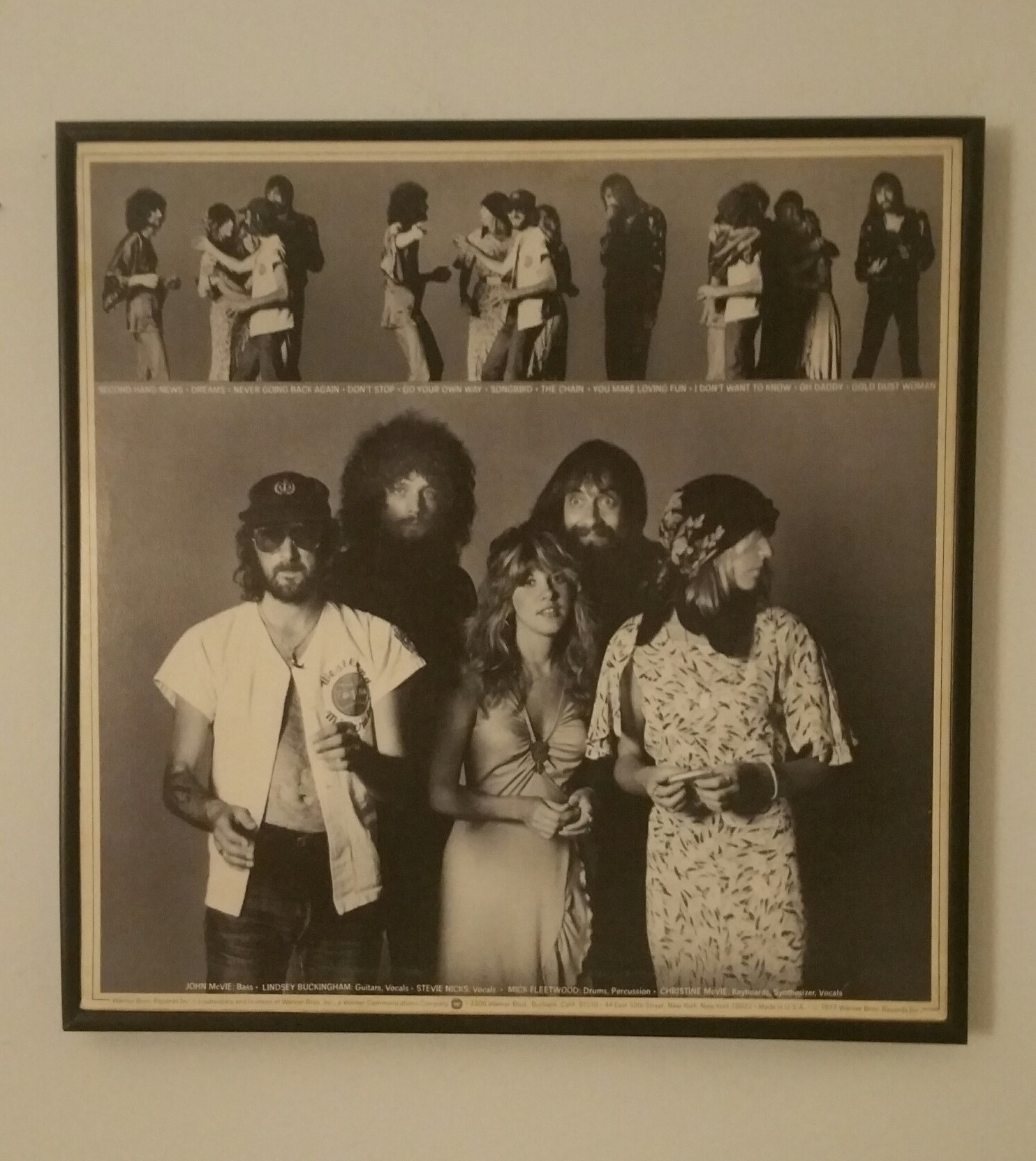 Photo of the back cover of the album Rumours by Fleetwood Mac.
