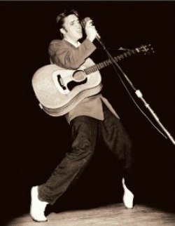 A young Elvis around 1954. Read the Elvis Presley story at Vinyl Record Memories.